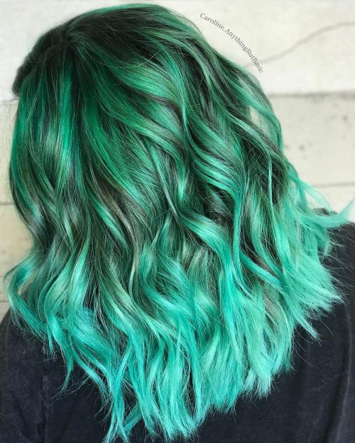 Picture of a mint ombre hair color