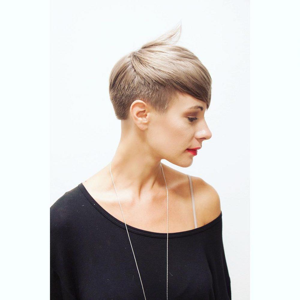Modern & Feminine hairstyle
