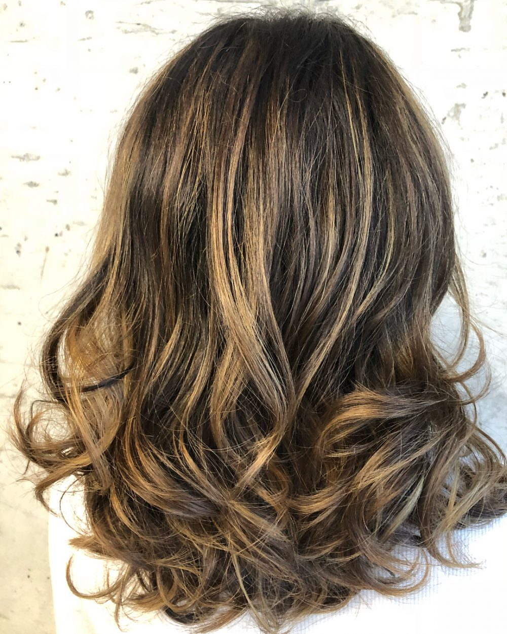 Natural Complexion with Highlights hairstyle
