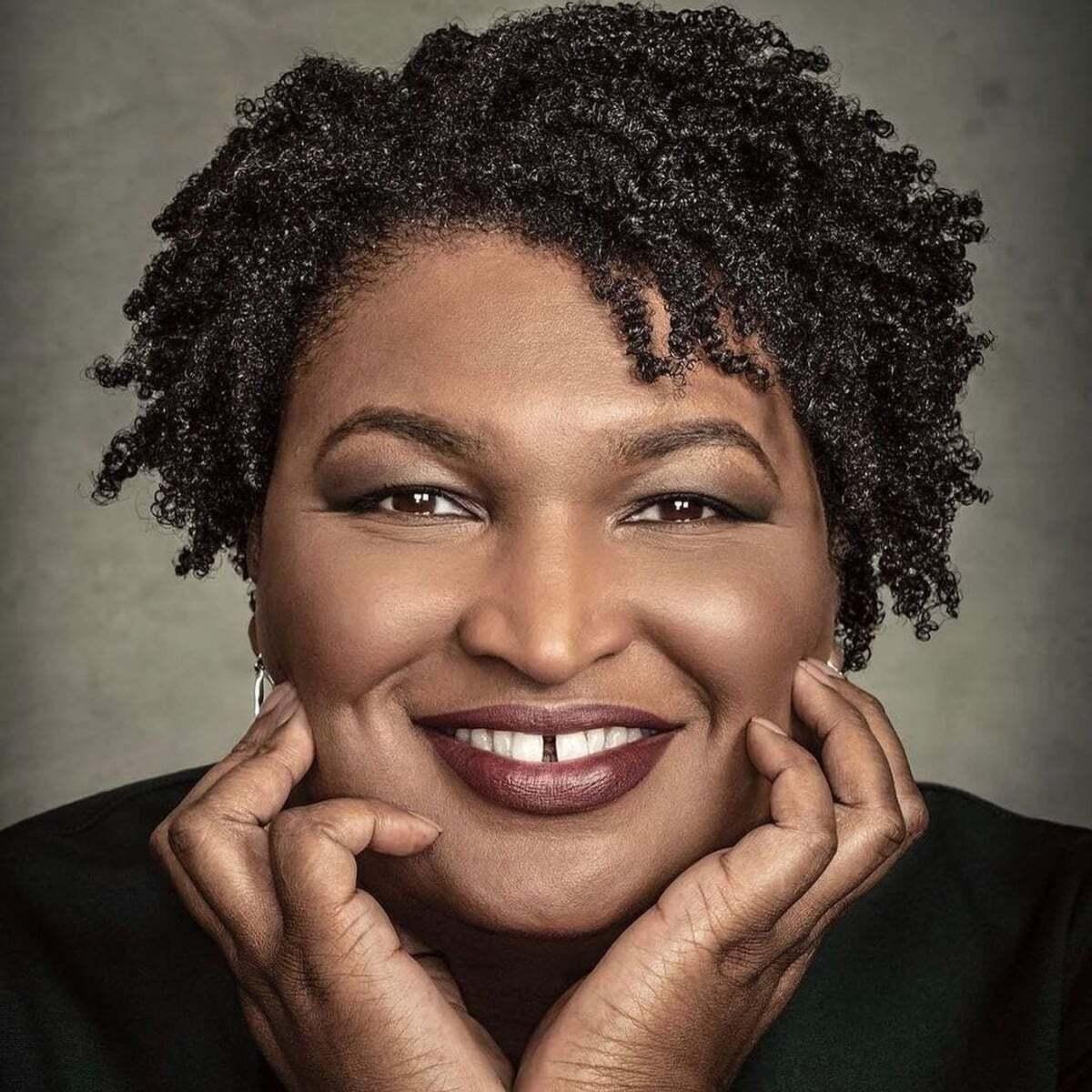 bobinas cortas naturales para mujeres negras mayores de 50 años