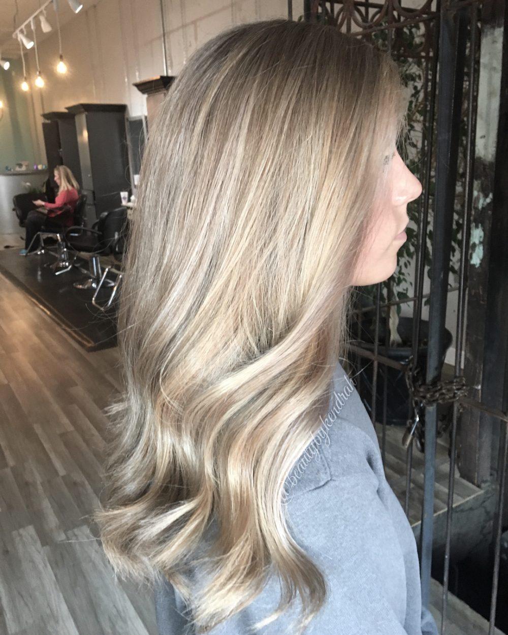 Neutral Ashy Blonde Balayage + Babylight hairstyle