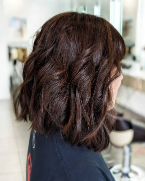 Picture of a nicely angled shoulder length bob