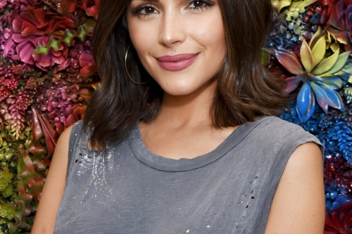 See photos of celebrities with the most adorable medium length cuts