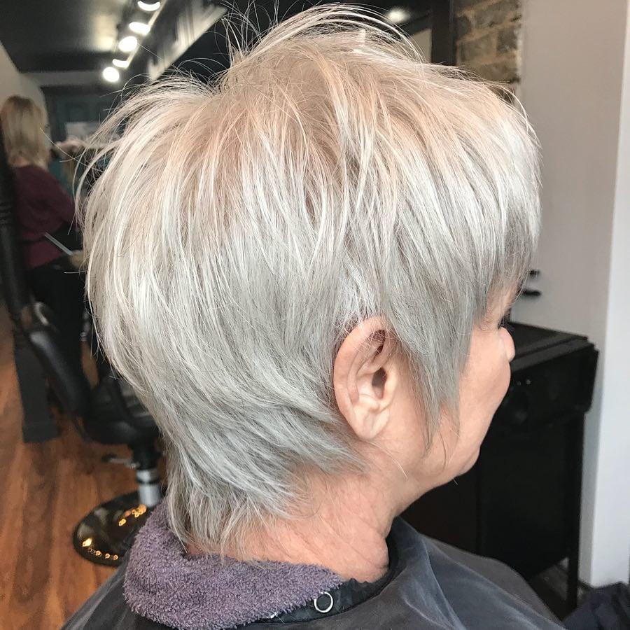 El corte de pelo Pixie Shag para mujeres mayores
