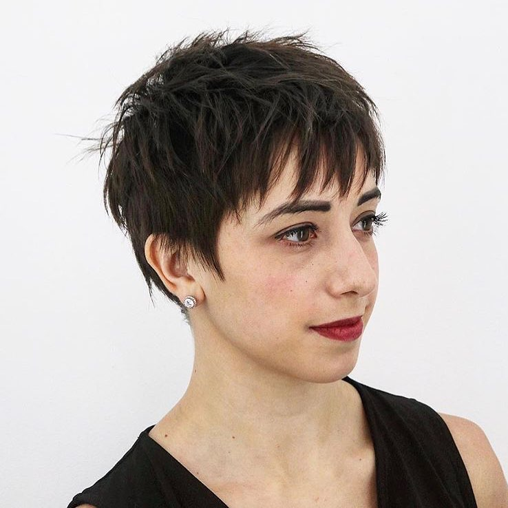 20 Flattering Short Haircuts Amp Hairstyles For Thick Hair