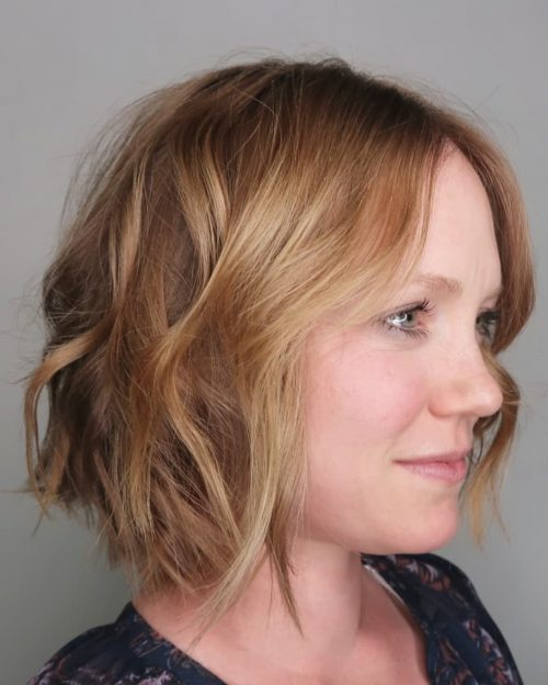 Remarkable Chin-Length Wavy Bob