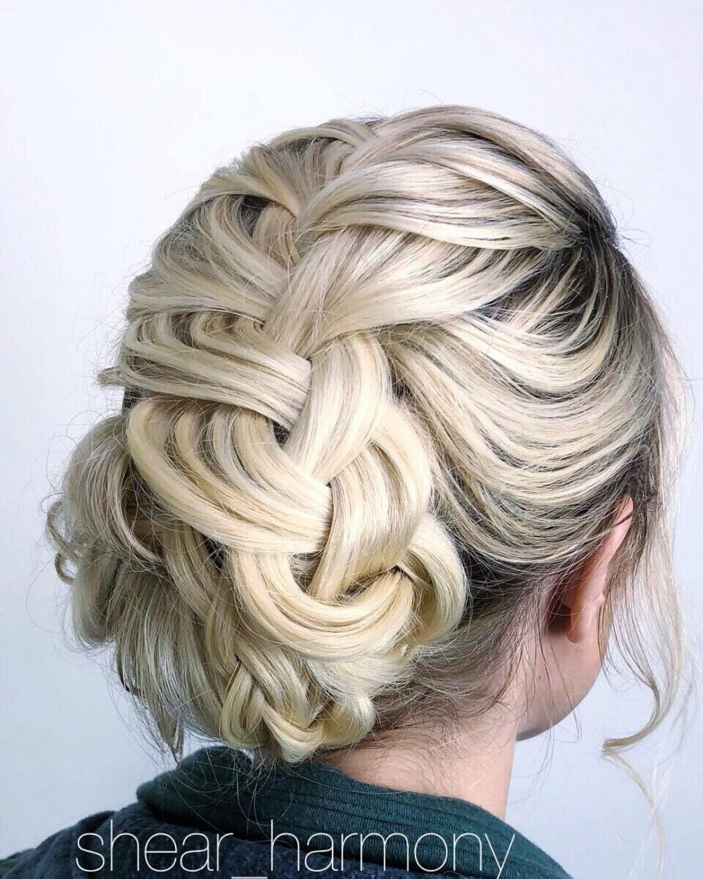 Romantic & Relaxed hairstyle