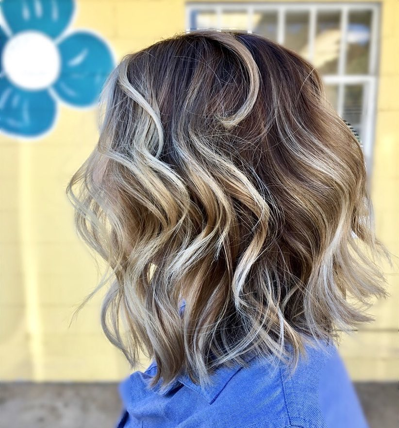 Rooted Blonde Lob hairstyle