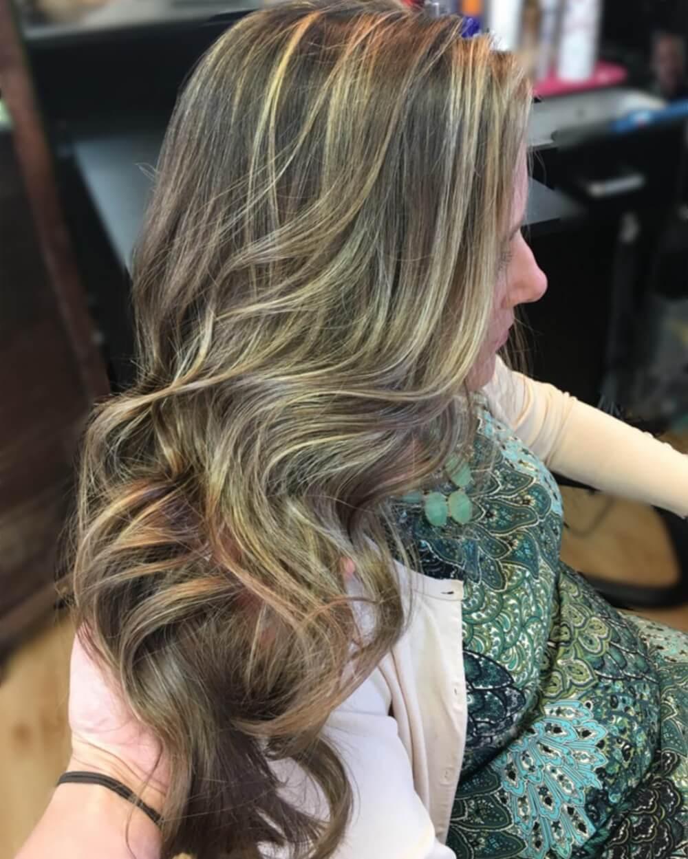 Sandy Bronde Dimension hairstyle