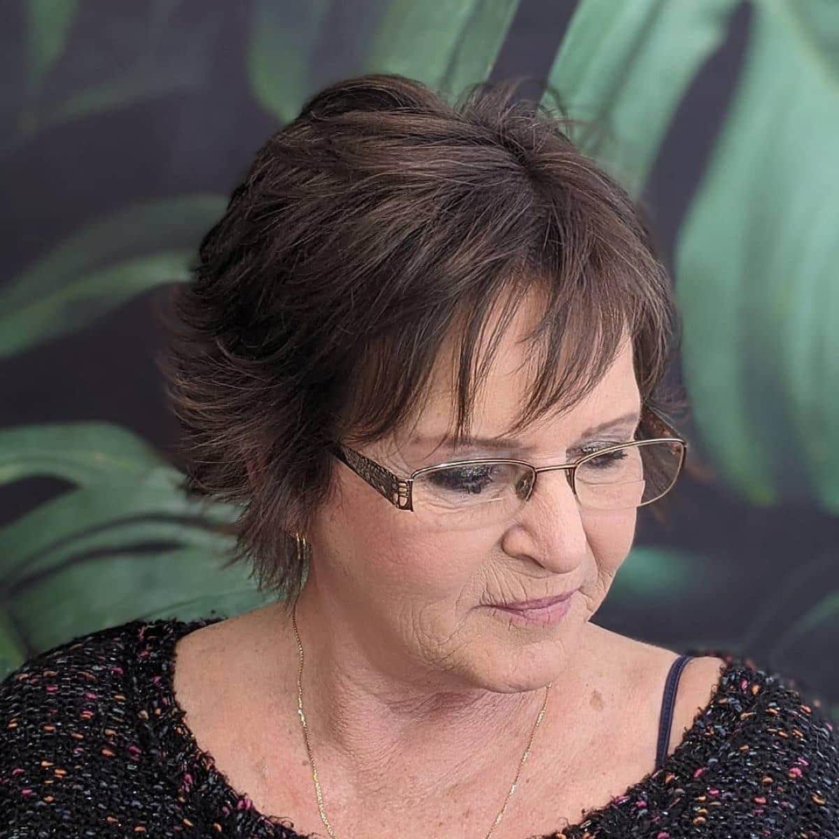 corte peludo para mujeres mayores con cabello fino