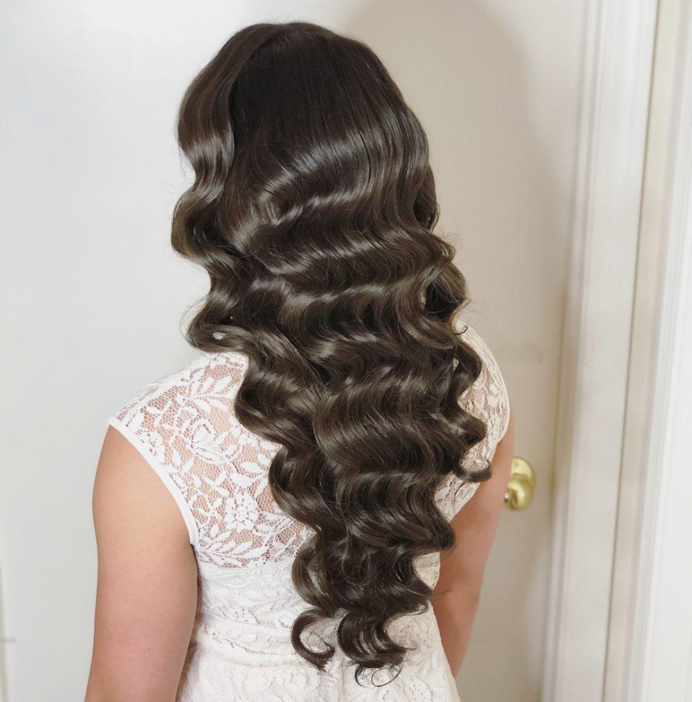 Shiny Hollywood Waves hairstyle