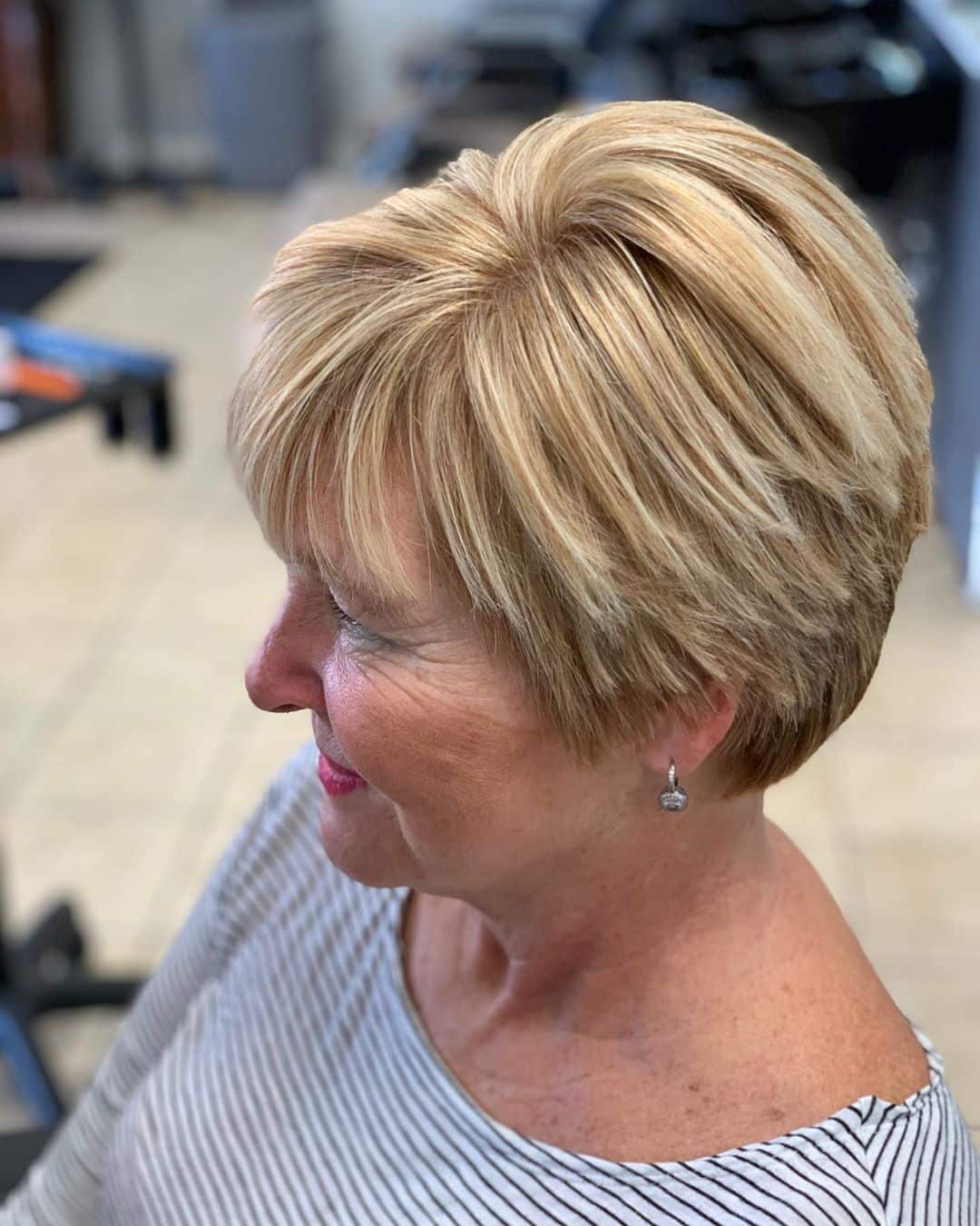 20 Modern Haircuts for Women Over 20 to Look Younger Pictures + Tips