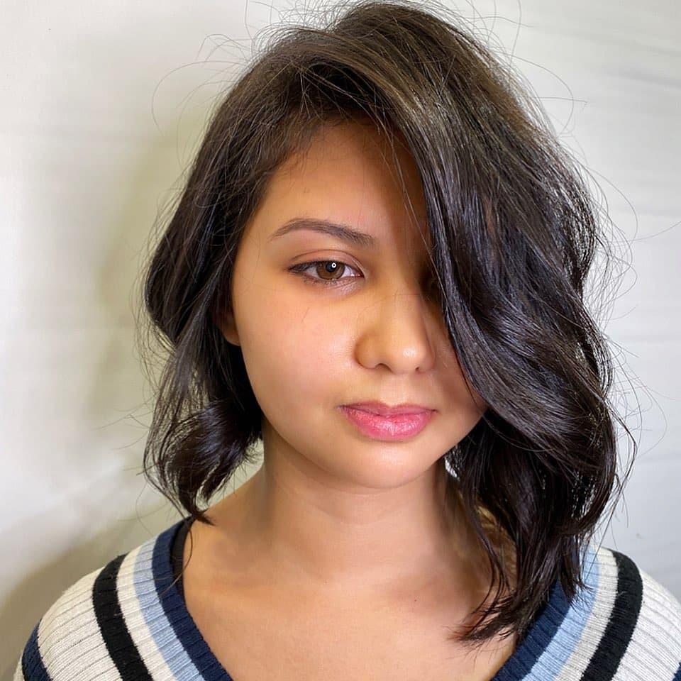 peinado bob ondulado asimétrico corto