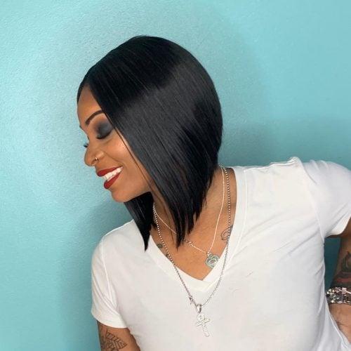 peinado bob corto para mujer negra con cara redonda
