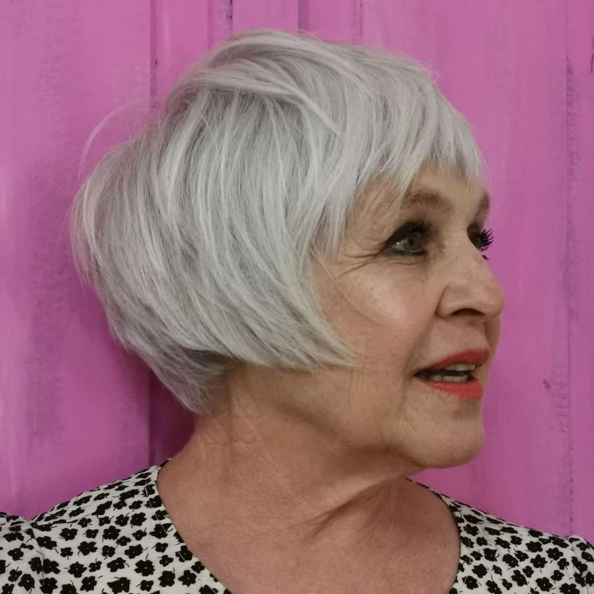 cultivo corto para más de 60 mujeres con cabello más fino