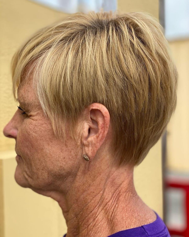 Cultivo corto para personas mayores con cabello fino