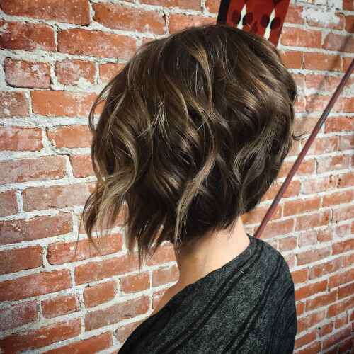 short graduated bob haircut for women
