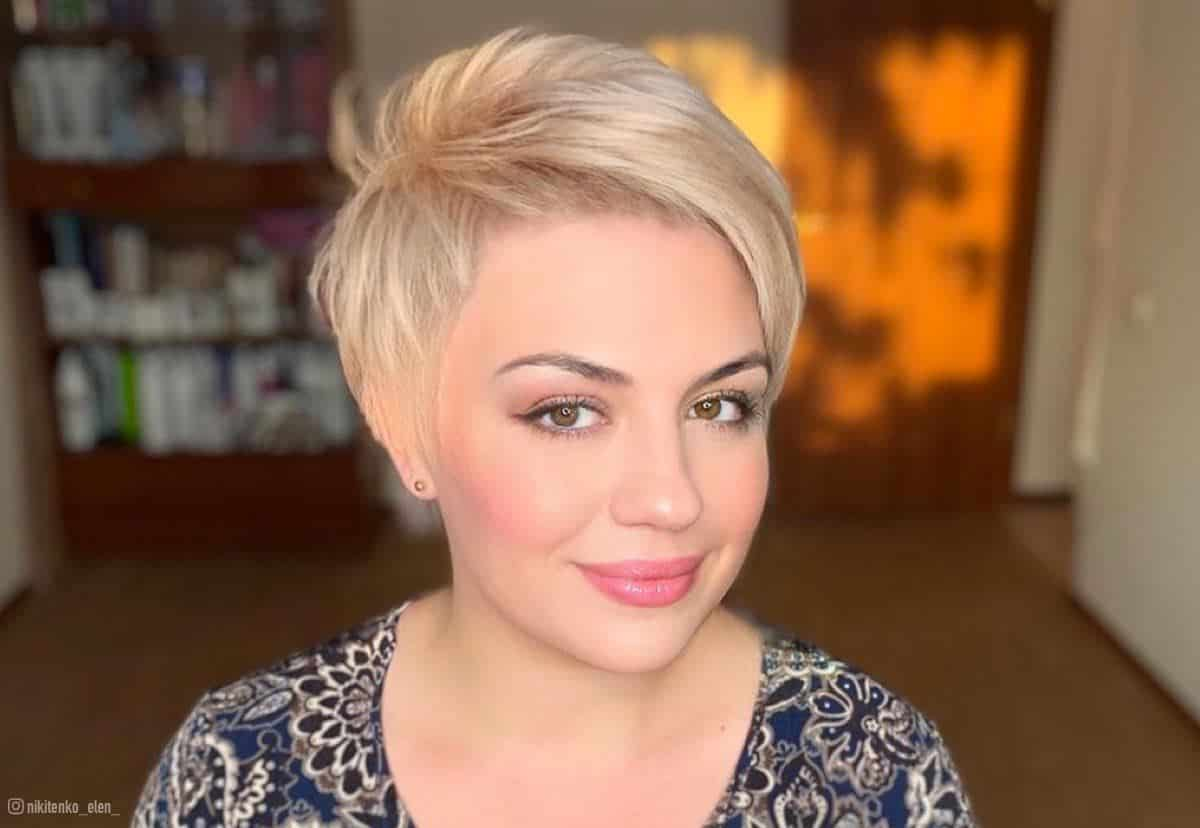 28 Flattering Short Hairstyles For Round Face Shapes In 2021
