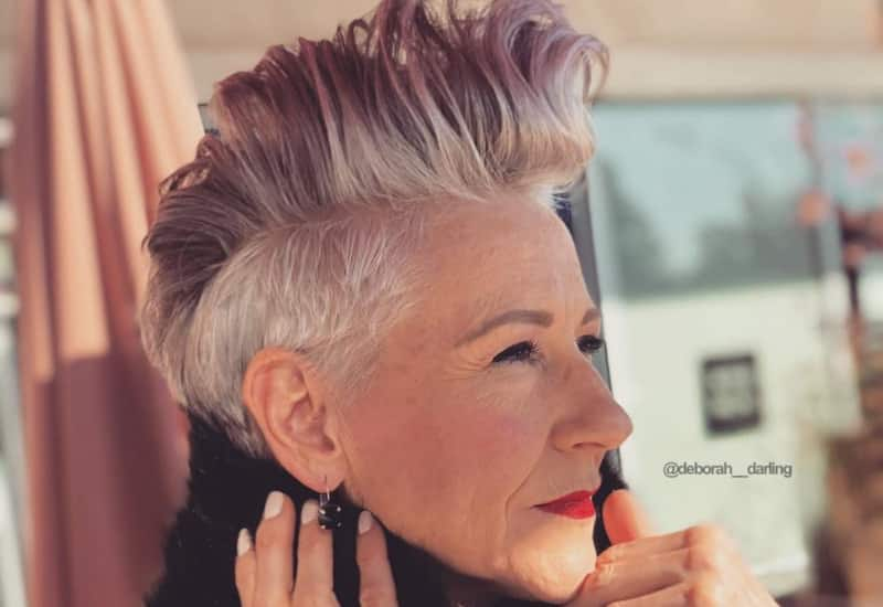 43 Youthful Short Hairstyles For Women Over 50 (With Fine