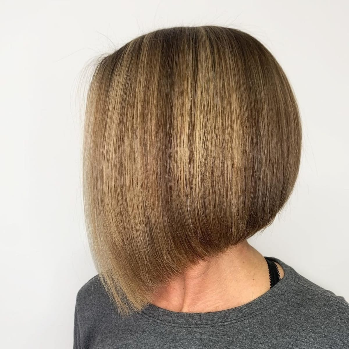 15 Modern Inverted Bob Haircuts Women Are Getting Now