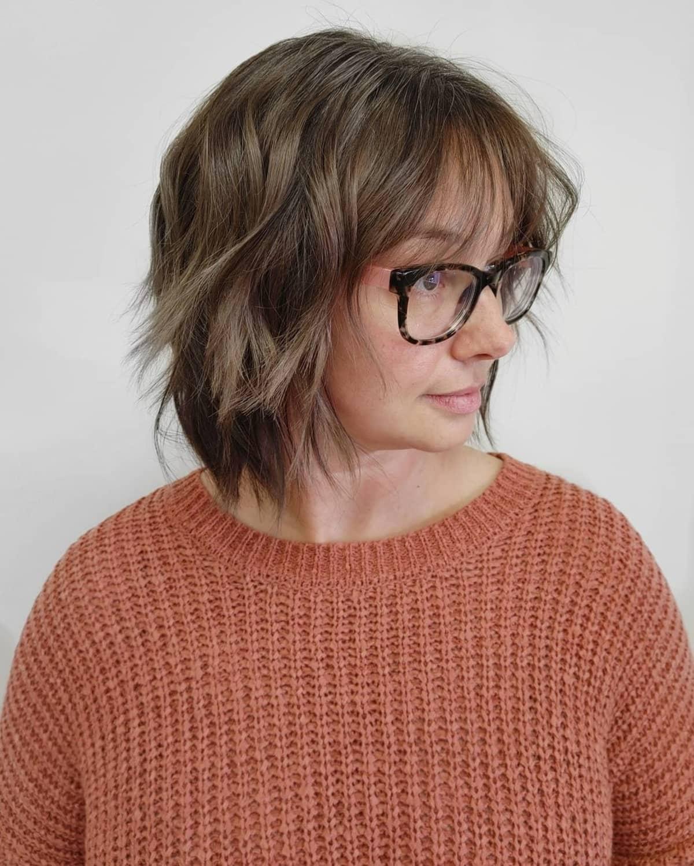 corte de pelo bob peludo de capas cortas