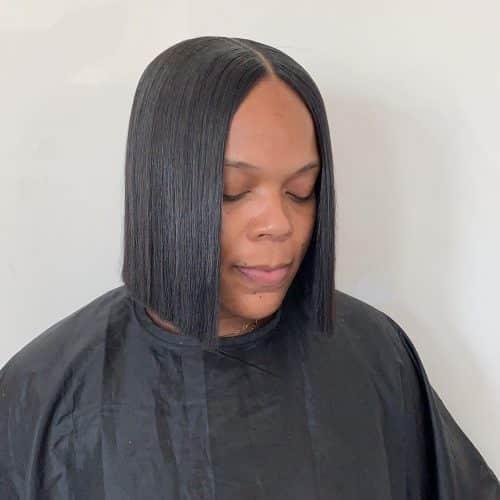 peinado corto en el medio para mujer negra