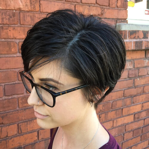 short-sculpted-pixie-haircut-woman