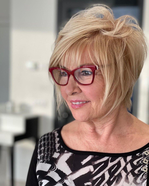 Short shag cut for older women with glasses