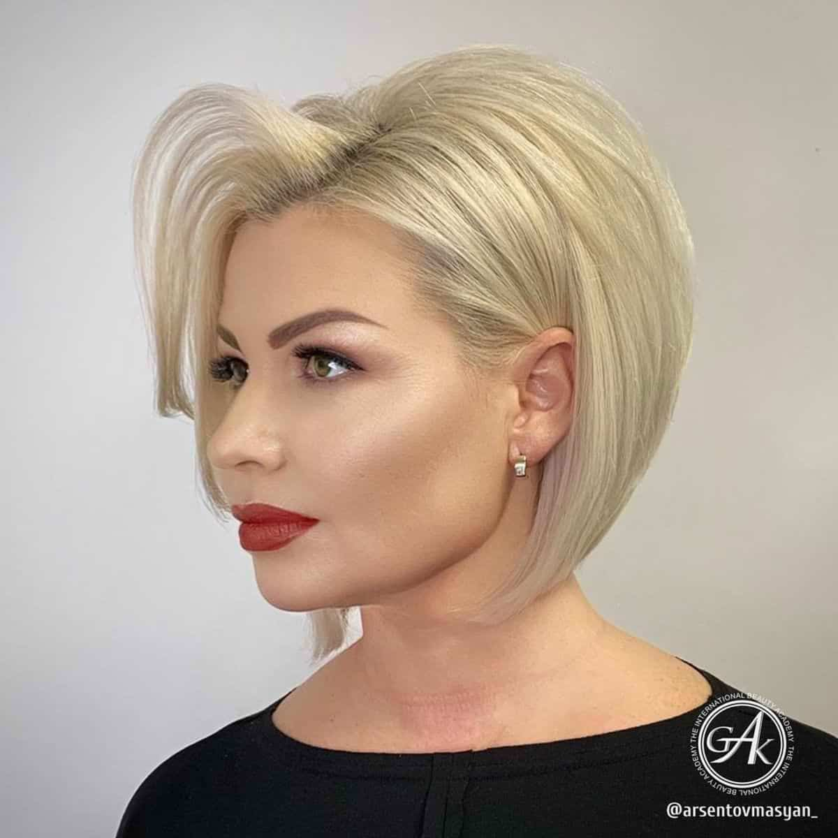 Short stacked bob on a square face