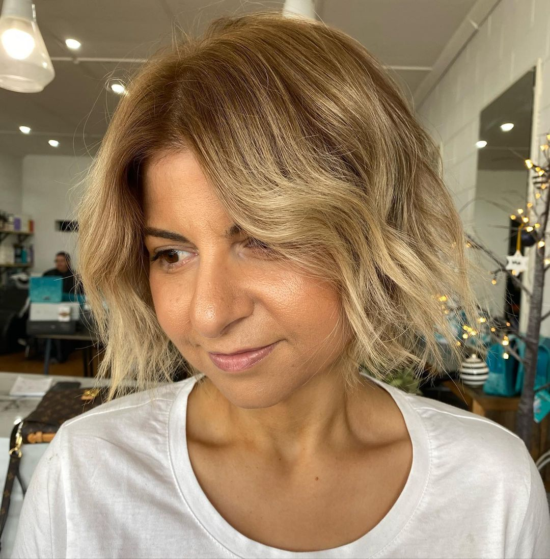 12 Flattering Short Hairstyles for Round Face Shapes in 12