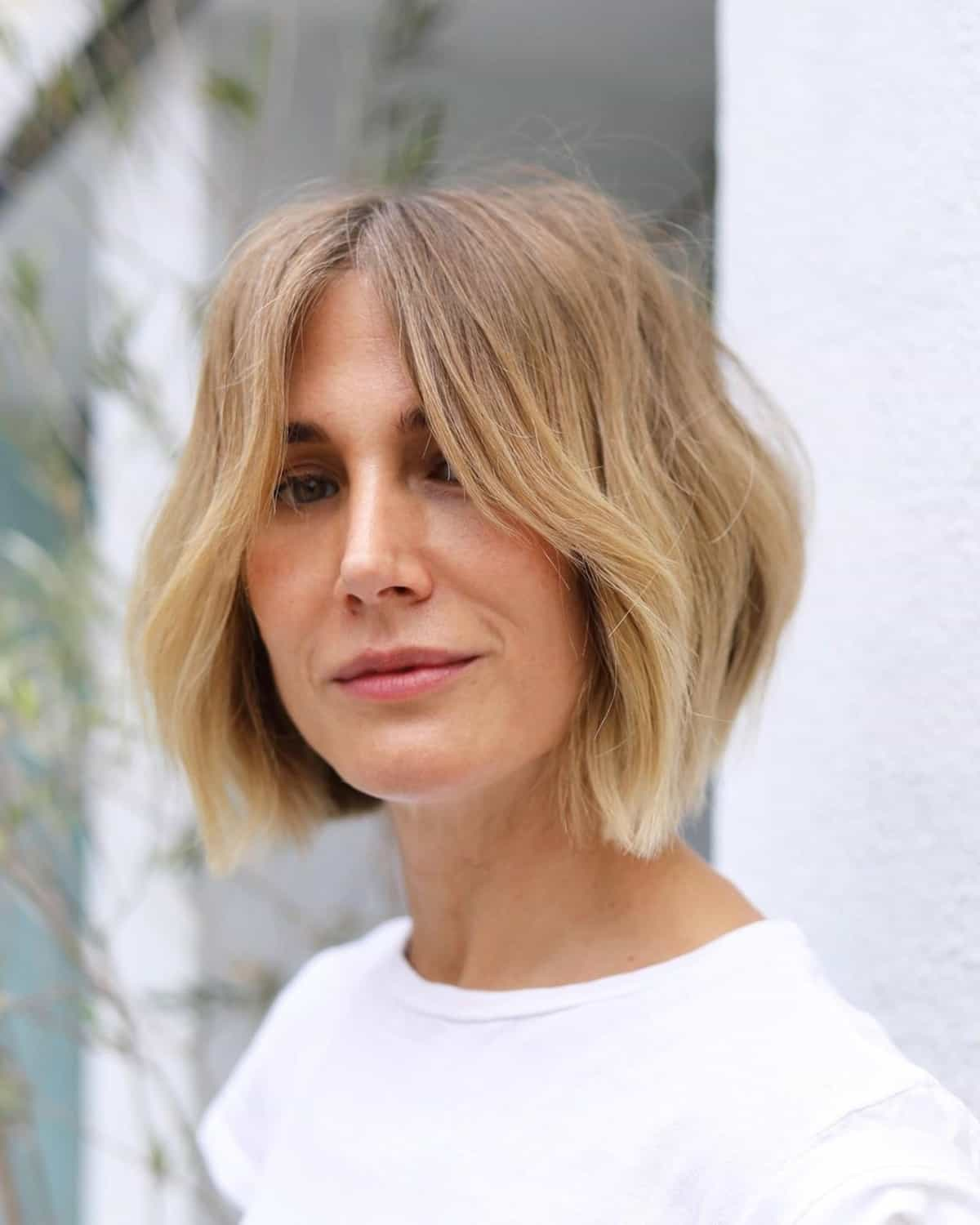 Organic short wavy hair for a woman over 40