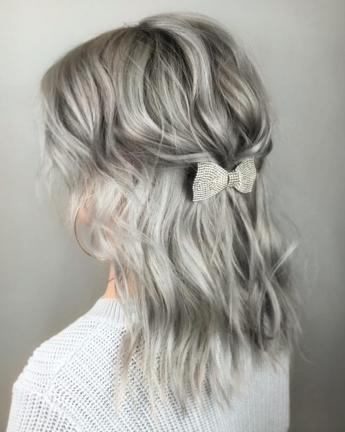 27 Prettiest Half Up Half Down Prom Hairstyles For 2020