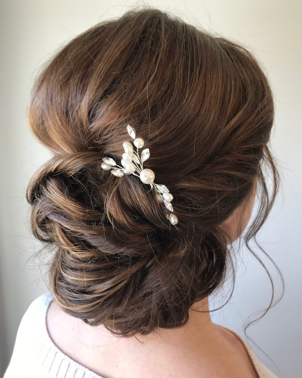 Simple & Romantic hairstyle