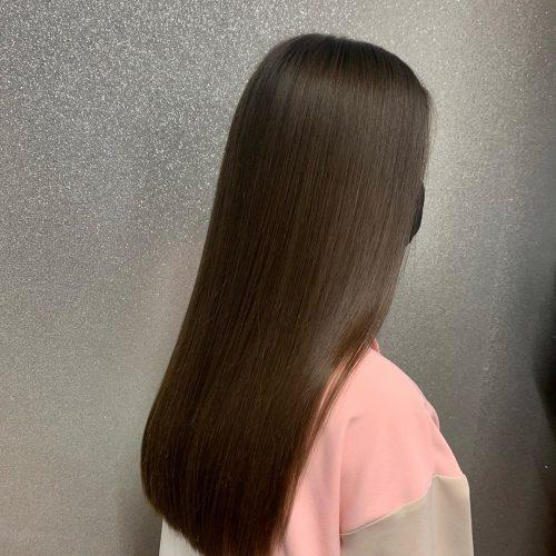 estilo simple y elegante para cabello largo y liso