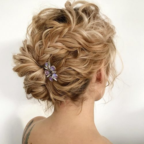 25 Easy Cute Updos For Medium Hair