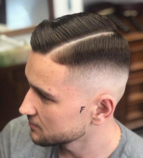 Corte de pelo de la parte lateral de la piel.