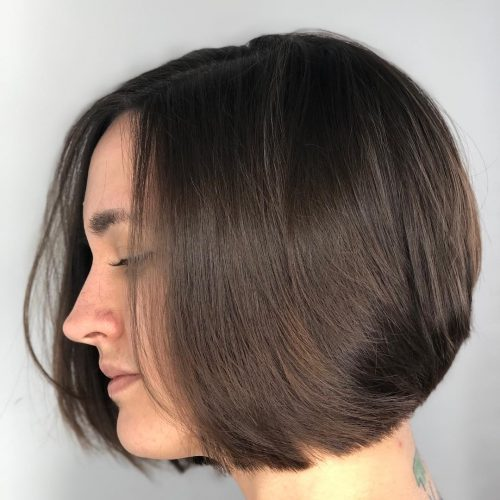 Picture of sleek yet edgy short hairstyle for long faces