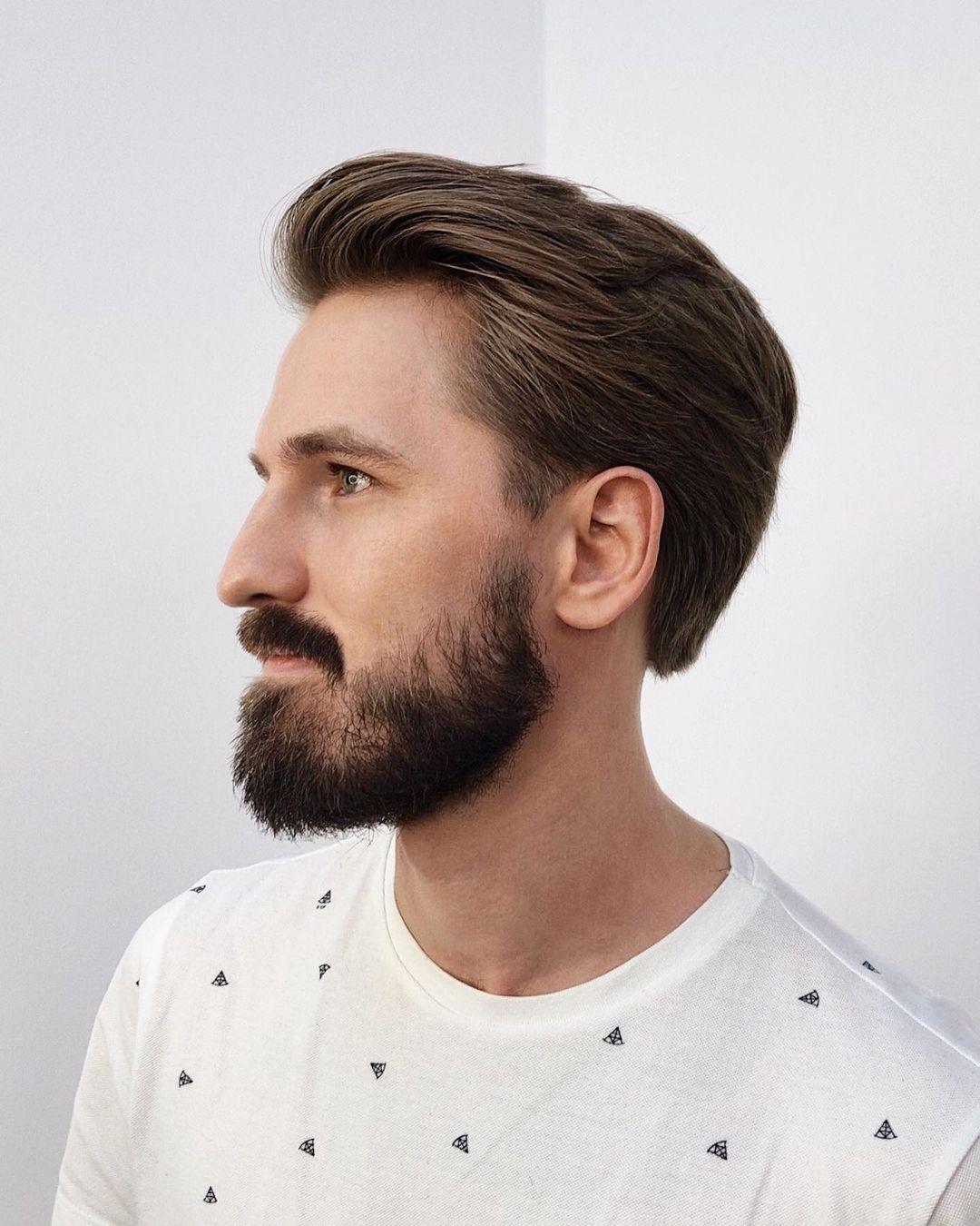 Corte de pelo cónico en la espalda