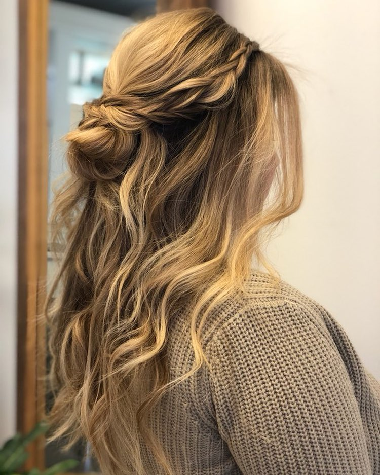 Soft & Bohemian hairstyle