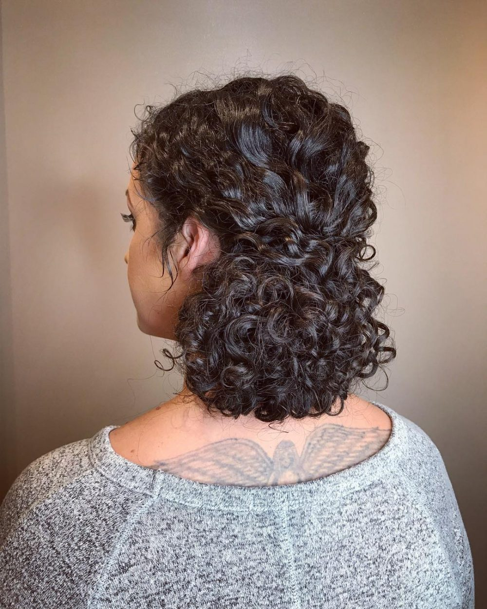 29 Easy \u0026 Cute Updos for Curly in Trending in 2020