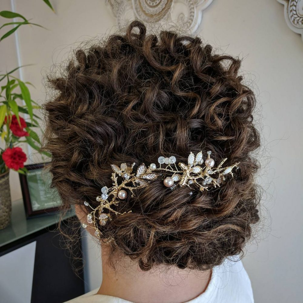 29 Easy & Cute Updos for Curly in Trending in 2020