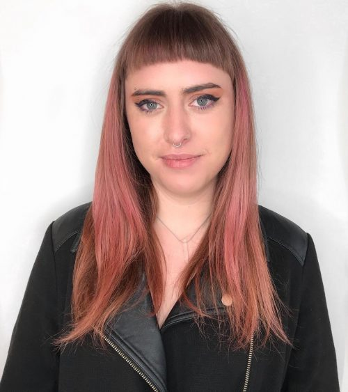 Picture of a short rocker with short bangs
