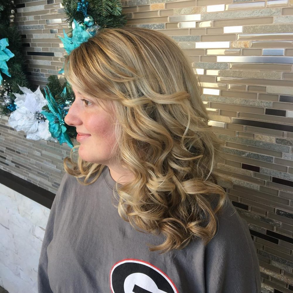 Soft Romantic Waves hairstyle
