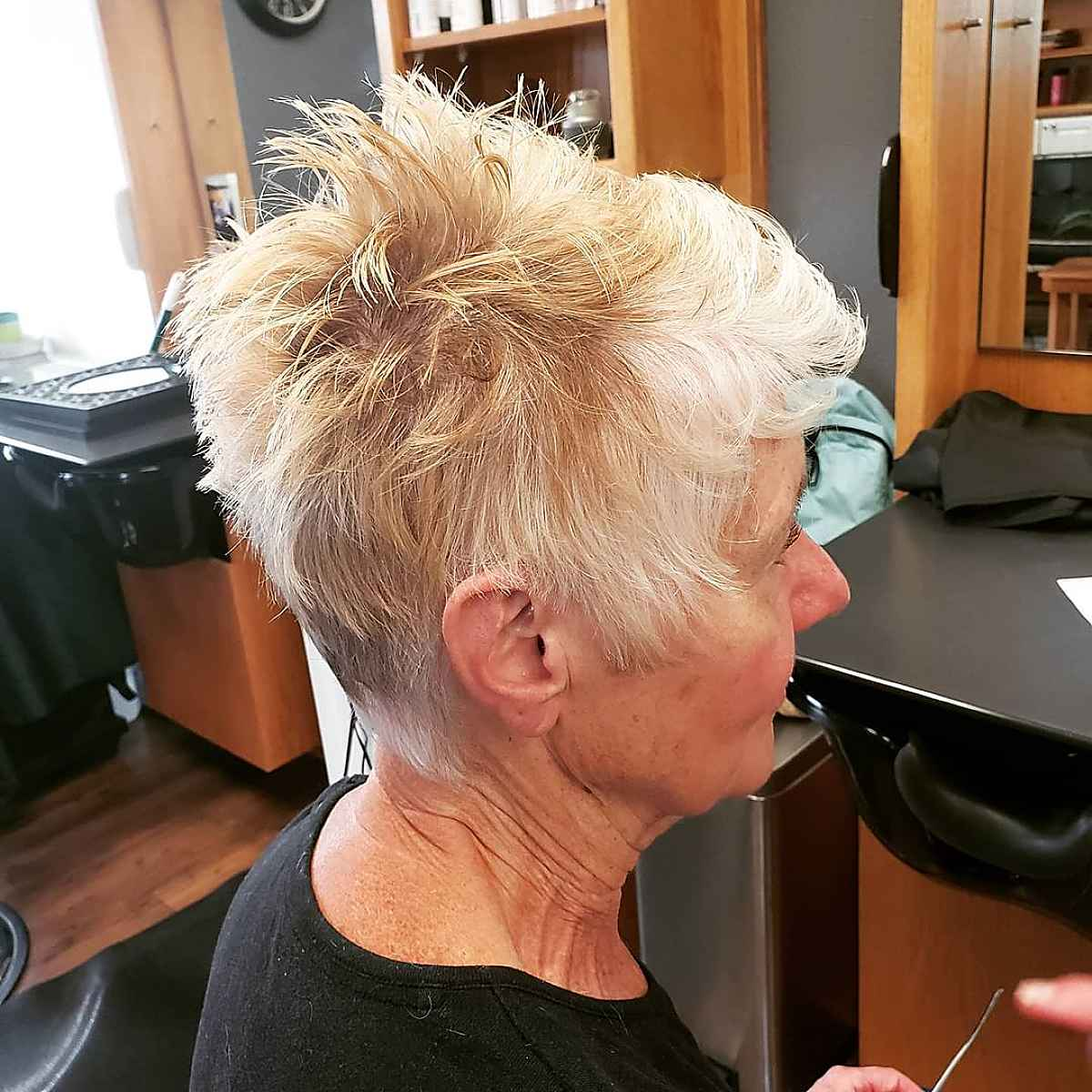Pixie Pixie Cut para mujeres mayores