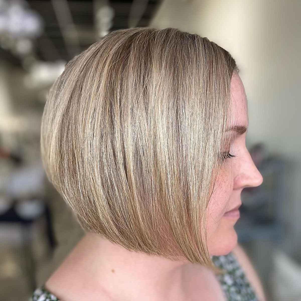 corte bob invertido apilado para cabello corto y fino
