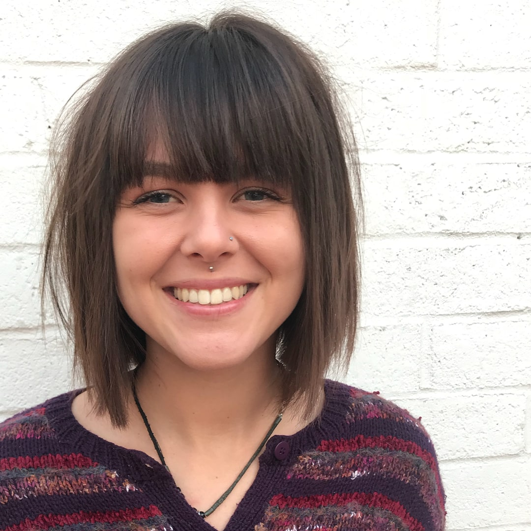 straight medium bob with bangs for round face