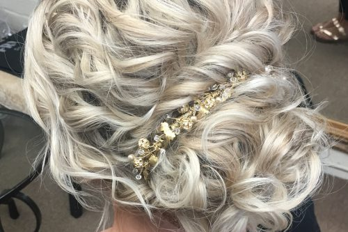 Picture of a stunning and romantic curly updo