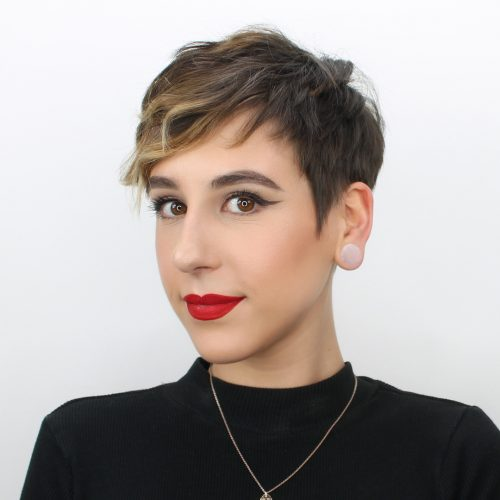 33 Most Flattering Short Hairstyles For Round Faces