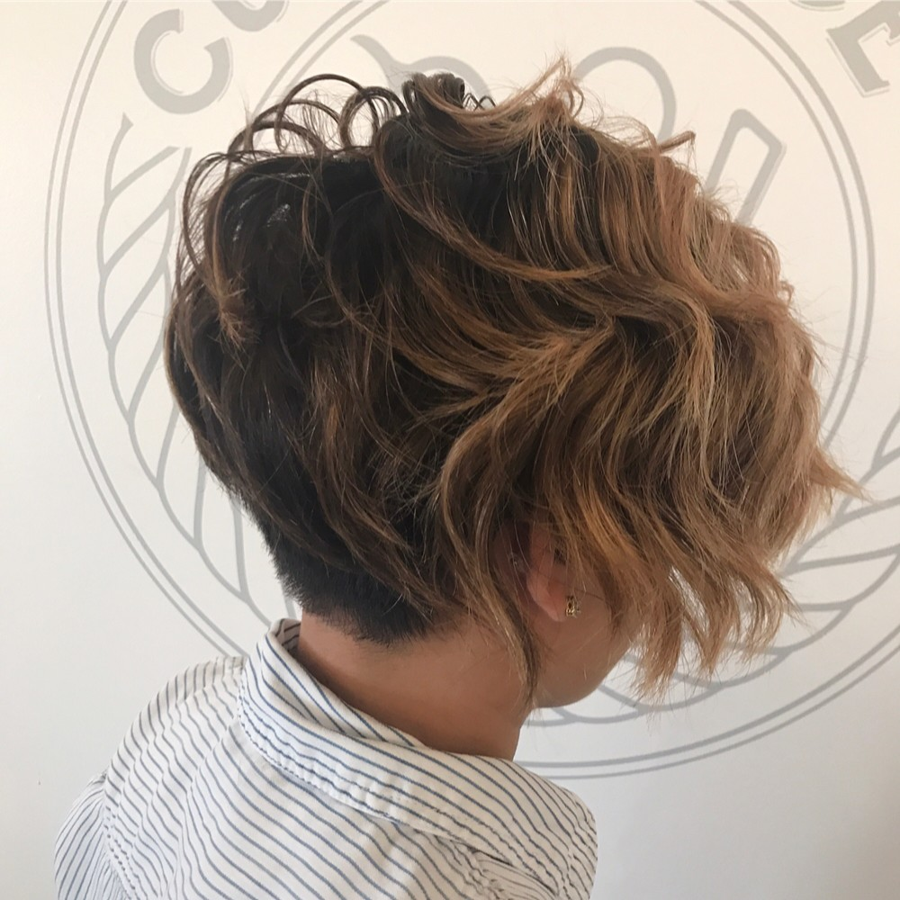 25 Of The Lovliest Short Wavy Hairstyles Trending Right Now