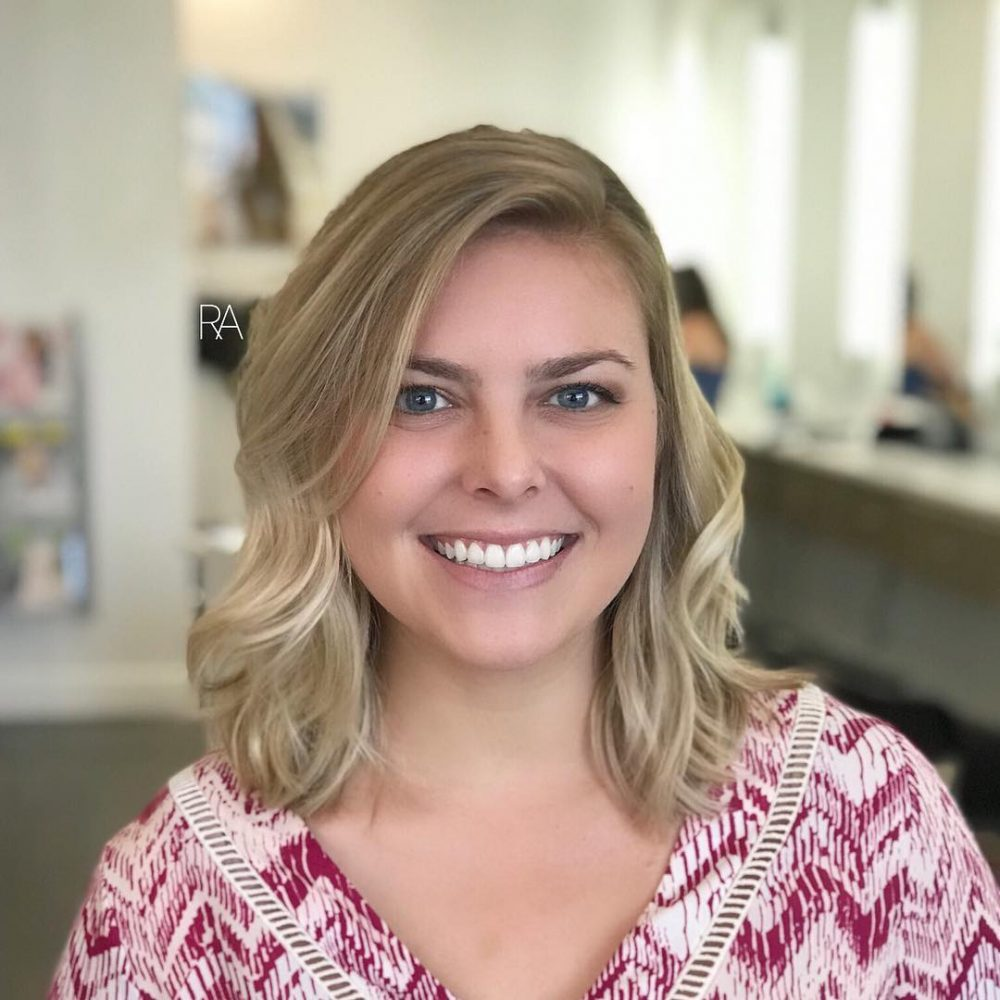 texturized and medium layered lob for round faces
